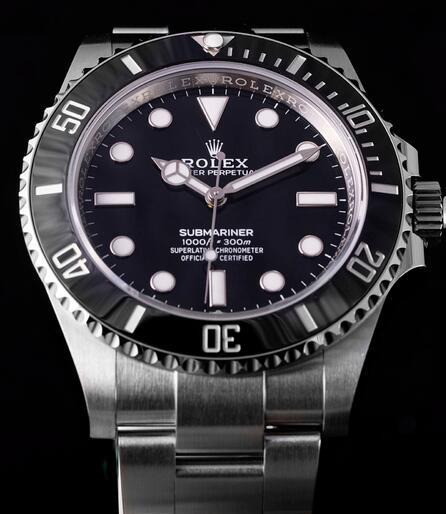 Presentamos el reloj réplica Rolex Submariner con esfera negra Oystersteel 41mm 124060 3
